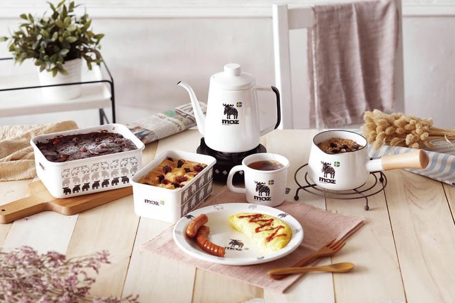 家樂福22日宣布最新會員紅利點數換購活動,其中,日本富士琺瑯Honey Ware聯名款moz餐具,是家樂福獨家商品。圖/業者提供