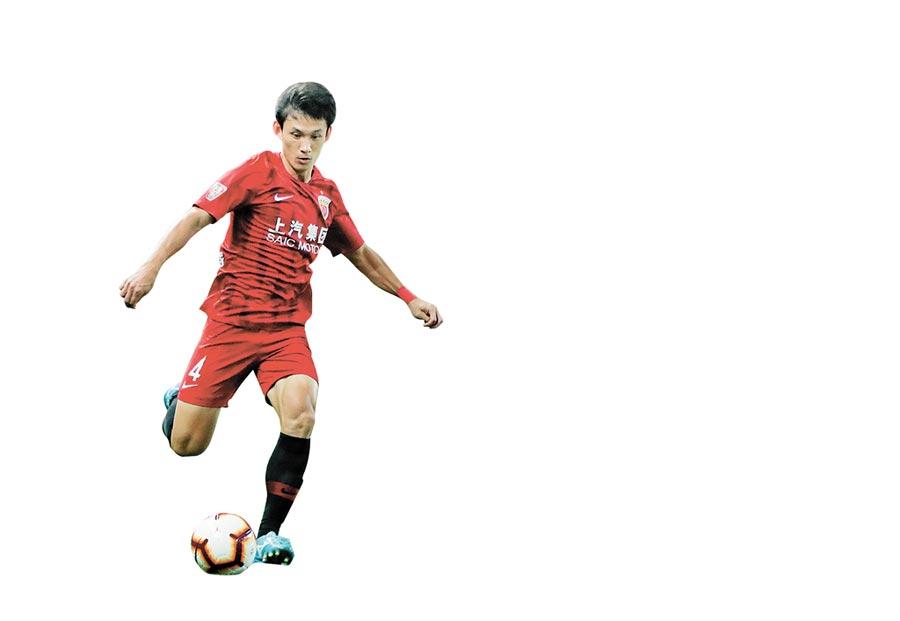 2013年,陳戌源主導上港集團收購現今的上海上港足球俱樂部,圖為上海上港隊球員王燊超。(新華社資料照片)