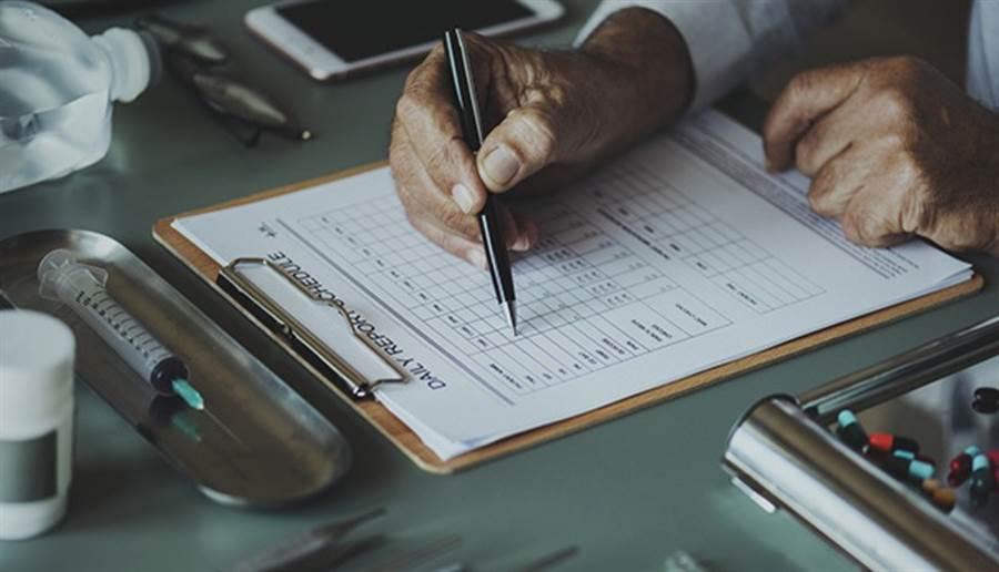 做健康檢查要仔細了解數值代表的意義。(圖/pixabay)