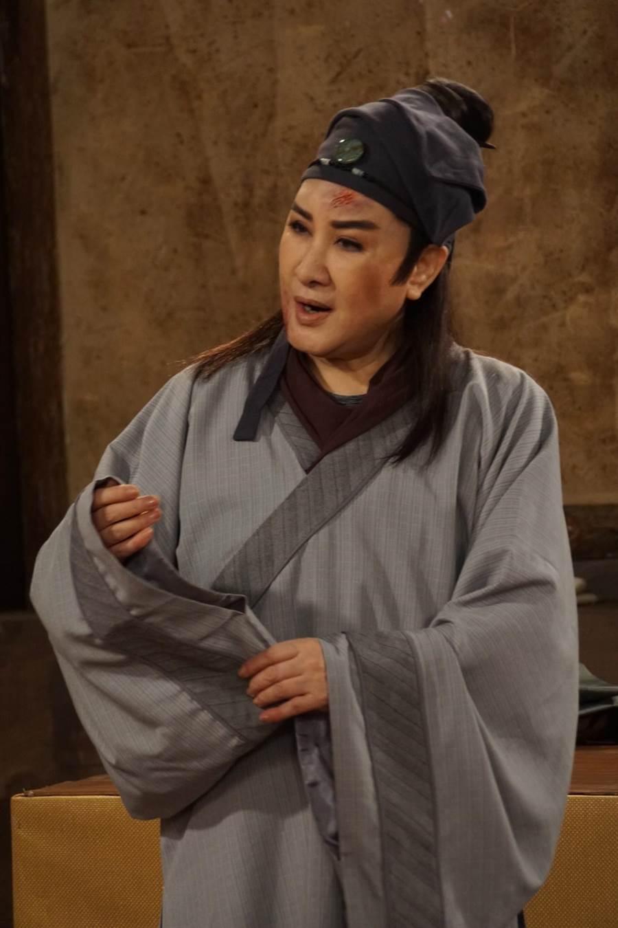 楊麗花《忠孝節義》飾演神醫。(麗生百合)