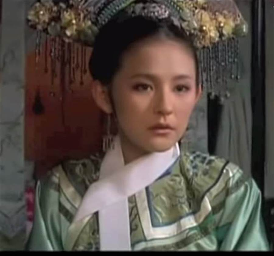 熱依扎《後宮甄嬛傳》飾演「寧嬪」。(圖/翻攝自 Youtube)