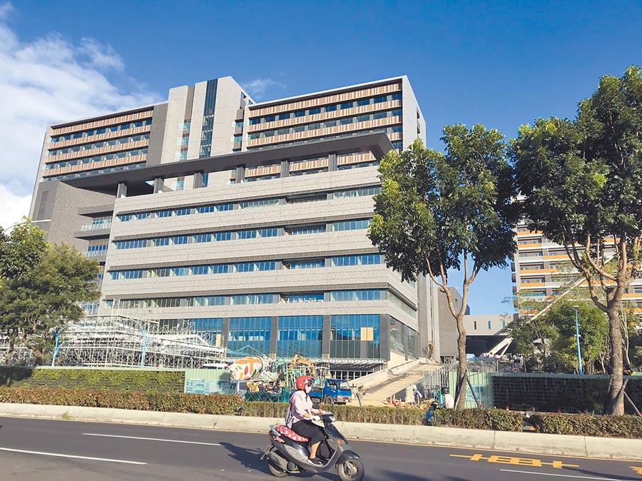 進入最後籌建階段的土城醫院將在明年第二季正式營運。(陳俊雄攝)