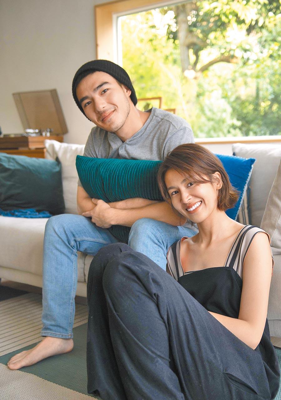 曾沛慈(右)與MV男主角將情侶間的日常互動詮釋得淋漓盡致。