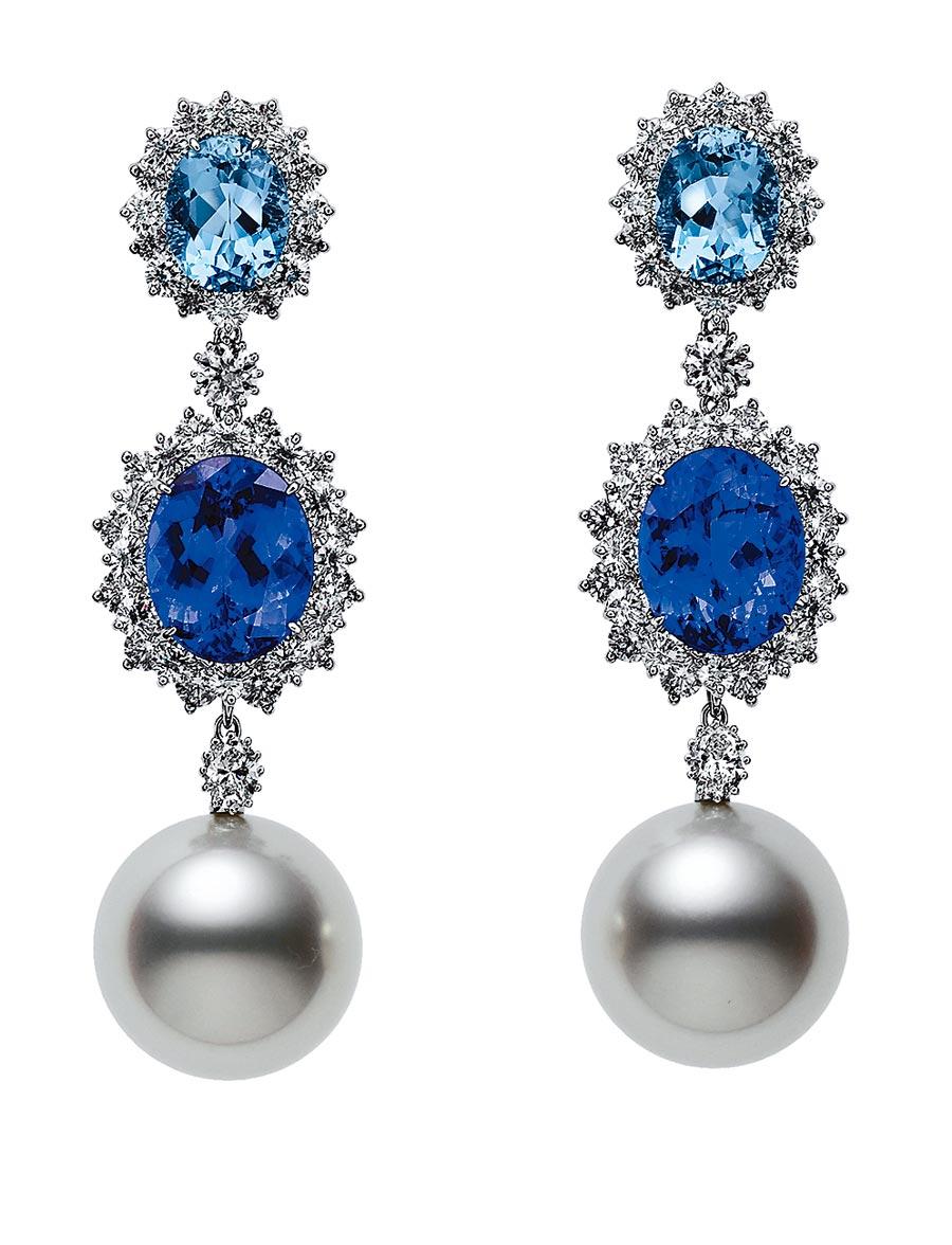 MIKIMOTO頂級珠寶系列南洋珍珠丹泉石藍寶耳環,約587萬元。(MIKIMOTO提供)