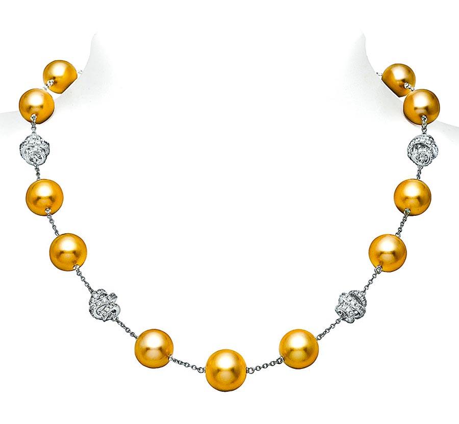 MIKIMOTO DAY & NIGHT系列南洋黃金珍珠項鍊,約109萬元。(MIKIMOTO提供)