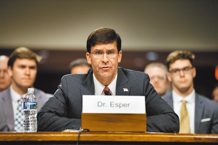 美國國防部長艾斯培7月16日參加參議院聽證會。(新華社)
