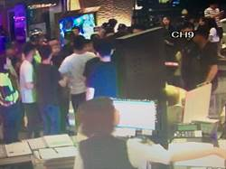 颱風夜KTV店傳群毆 網譏:8+9正常發揮