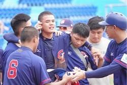 棒球》中華小將遭速球爆頭流血 現場沒擔架被罵翻