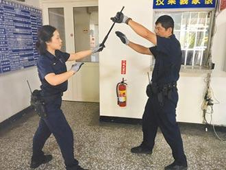 打擊犯罪 苗栗警局添購防割手套