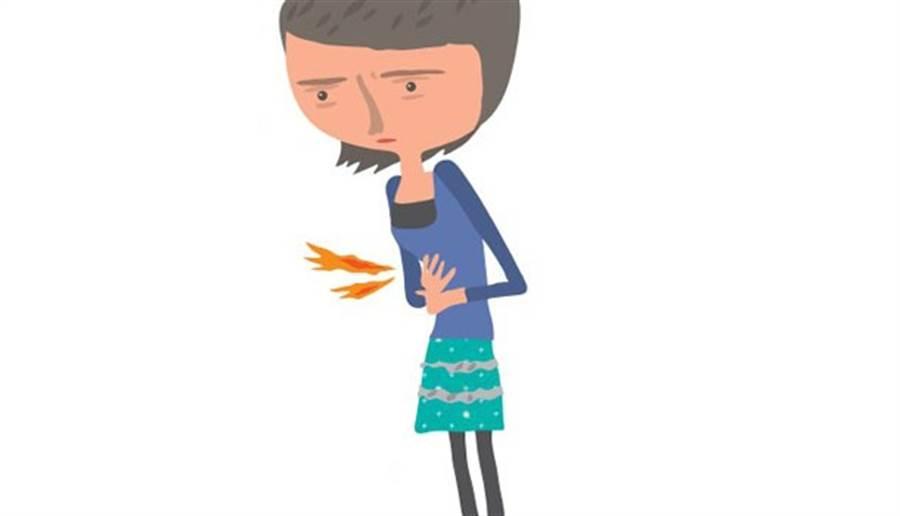 只要40歲以上的女性跟我抱怨喉嚨卡卡,通常表示有胃食道逆流。(圖片來源:鄭佳玲)