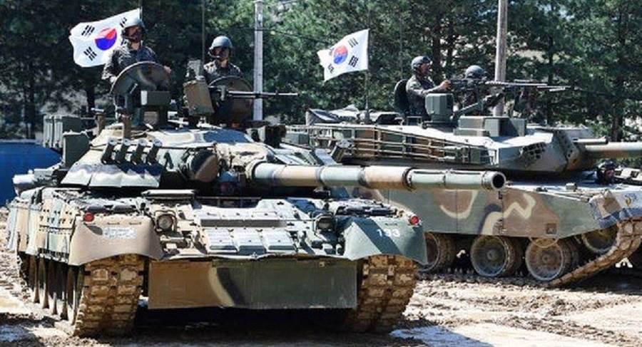 韓國陸軍T-80戰車(左),與美系的K1戰車(右)的合照。(圖/Tanks. Being tanks facebook)