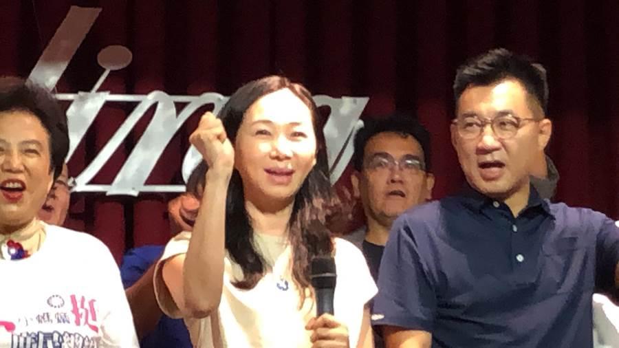 李佳芬代夫出征中台灣,參加山海屯聯誼會餐敘,直言「2020總統大選將是地方自治史上最慘烈的選舉!」(王文吉攝)