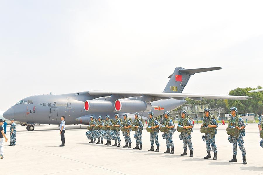 2017年8月10日,解放軍空軍航空開放活動在長春舉辦,運-20亮相。(中新社)
