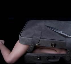 長腿女屍硬塞行李箱 電纜技工嚇壞