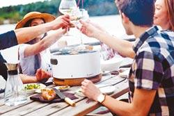 頂級烤具配備 烤肉飄時尚味