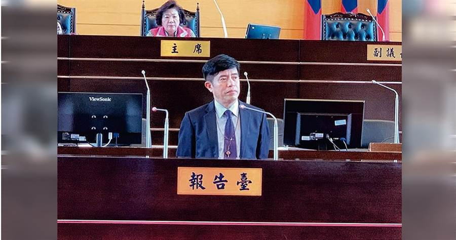 台中县市合併后,林百修是首位从县区调到市区服务的校长,有人称他「A咖校长」。(图/读者提供)