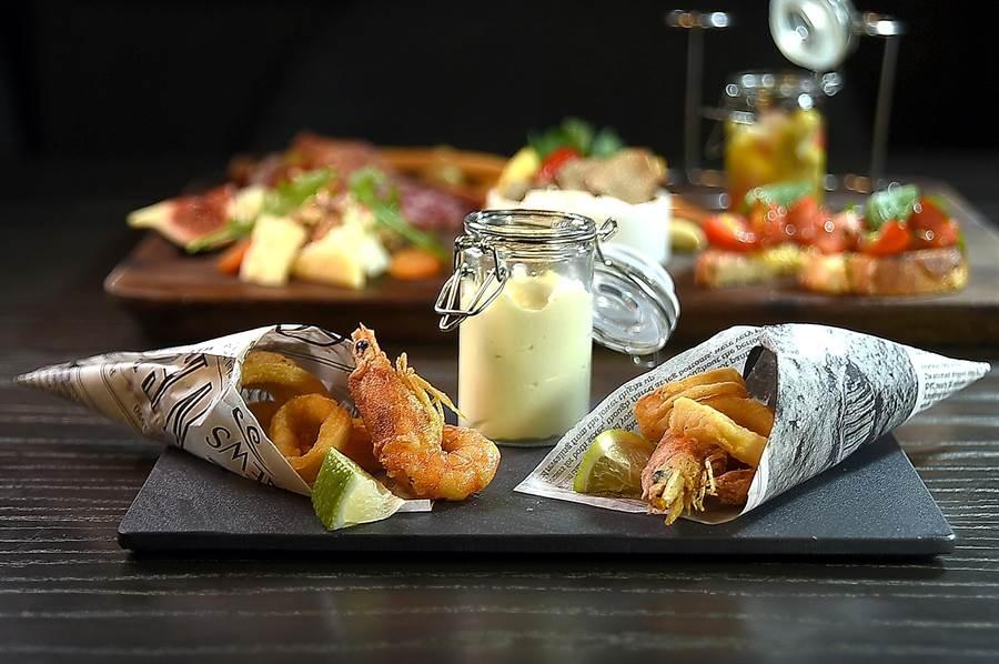 義式酥炸海鮮是義大利的Street Food,如今在寒舍艾麗酒店〈La Farfalla〉餐廳也以嘗到。(圖/姚舜)
