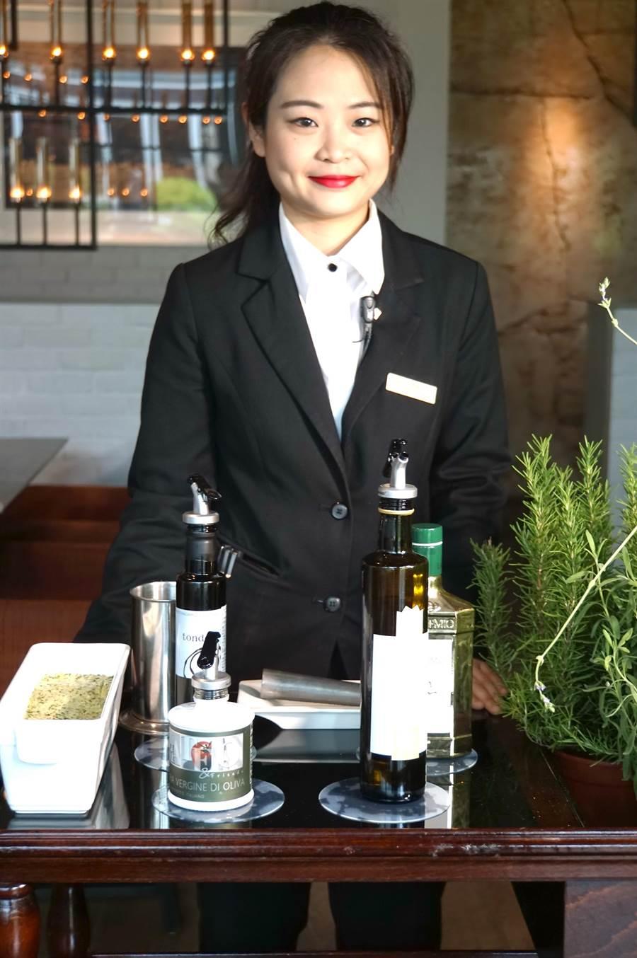 寒舍艾麗酒店的〈La Farfalla〉餐廳轉型升級,並增加了許多桌邊服務。(圖/姚舜)