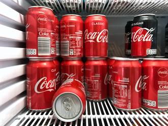 可樂為什麼不能用方瓶裝?真相是…