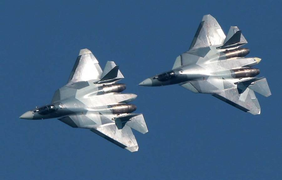 當地時間27日開幕的俄羅斯航展上將首次靜態展示蘇-57隱形戰機,同時其出口型號蘇-57E亦將首次亮相。(圖/塔斯社)
