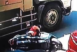 台南水肥車機車同向擦撞 女騎士爆頭亡