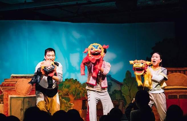 《劍獅出巡》親子故事劇場,9月底將到台南文化中心原生劇場演出。(曹婷婷翻攝)