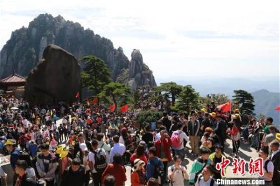 陸國慶假期預計8億人次出遊 。(照片取自中新網)