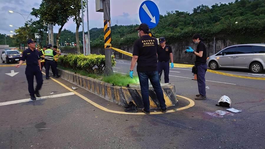 汐止薛姓員警疑追查酒駕車輛,機車自撞安全島傷重不治。(報系資料照)