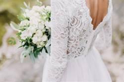 網美試穿網購婚紗 透明設計全走光