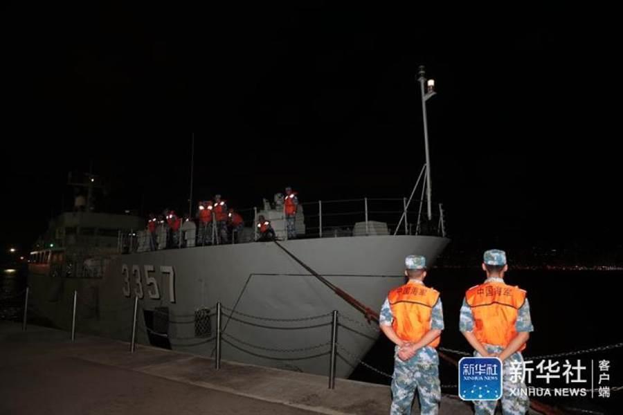 大陸人民解放軍駐香港部隊29日凌晨開始,組織進駐香港以來第22次輪換行動。這是海上部隊到達香港昂船洲碼頭。(新華社)