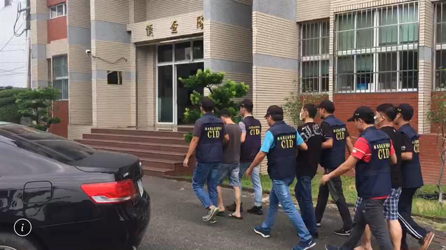 警方逮獲打傷吳姓直播主的洪、陳、潘等3嫌。(謝佳潾翻攝)