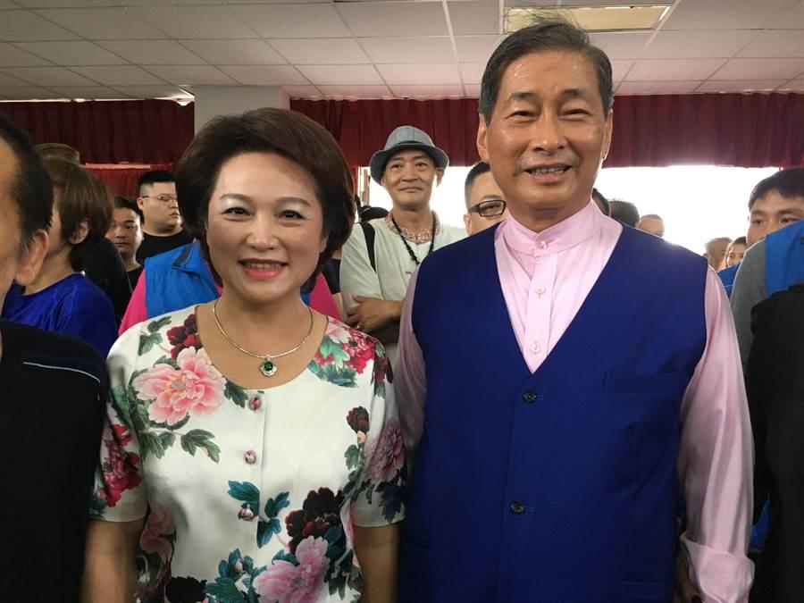 前嘉義市議長蕭淑麗(左)日前與統促黨總裁張安樂同框。(廖素慧攝)