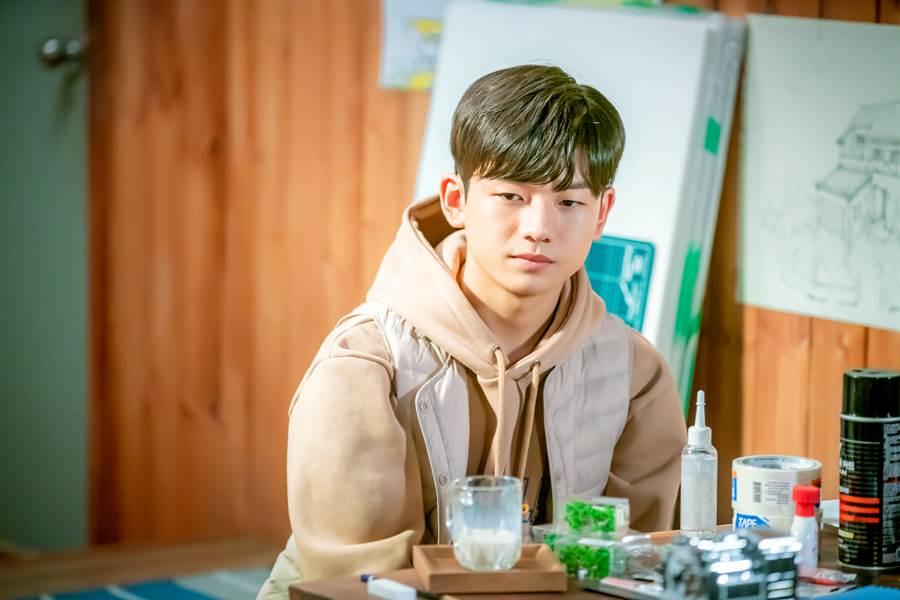王錫賢在《與神的約定》中飾演罹患血癌的少年。