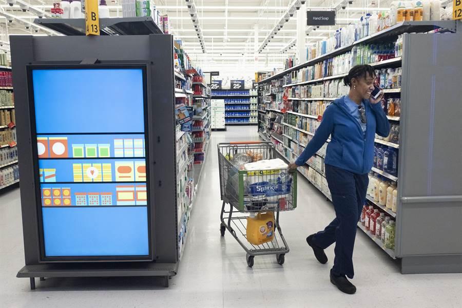 美國行業組織致信川普希望推遲對大陸商品加徵關稅,以免影響即將來臨的假日購物潮。(圖/美聯社)