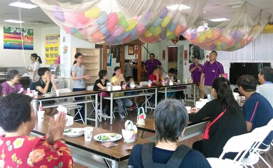 台南市社會局將37行政區規畫5大區設置5個家庭照顧者創新支持服務據點。(曹婷婷攝)