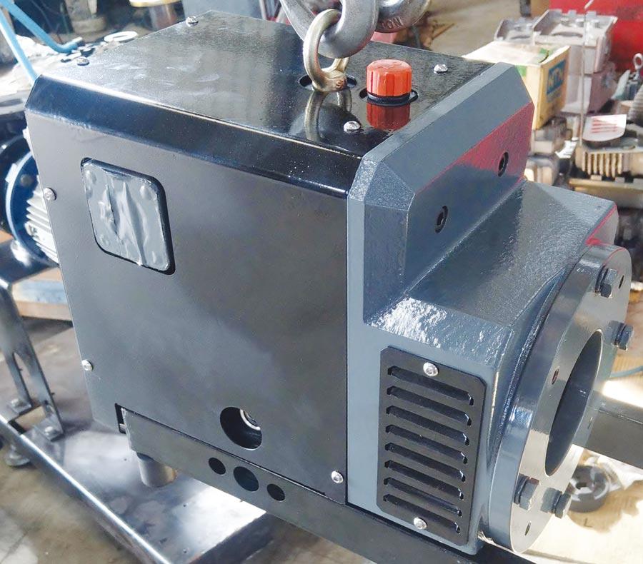 黑偉機械研發的燃料電池汽車空氣供應系統使用的空壓機內的爪式壓縮機,量產後將安置於燃料電池汽車。圖/黑偉提供
