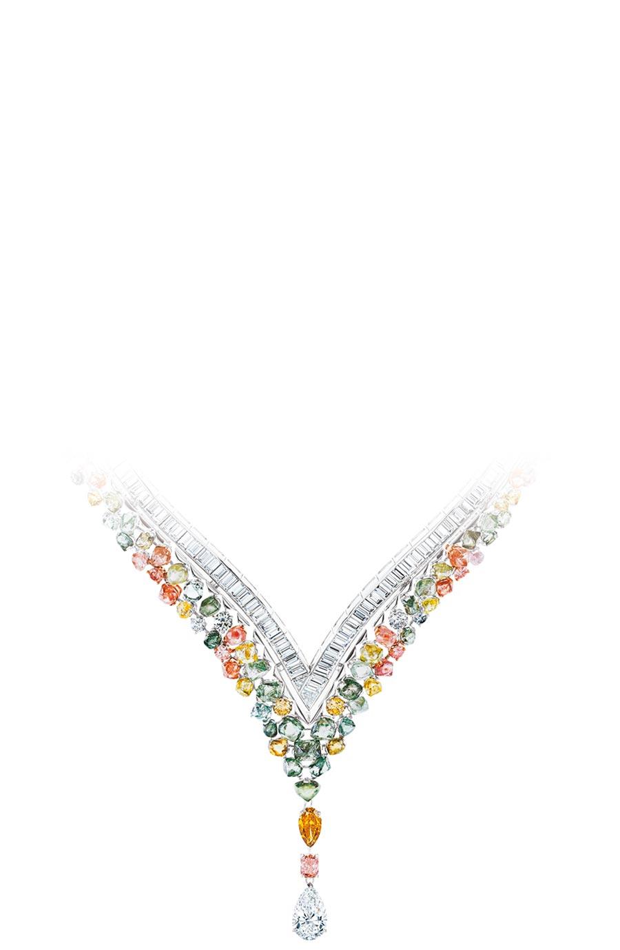 De Beers來台展出Portraits of Nature系列Knysna Chameleon變色龍項鍊,5370萬元。(De Beers提供)