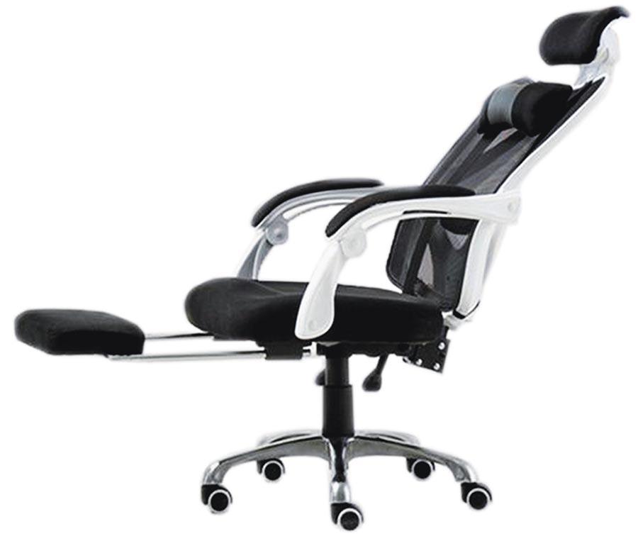 廣三SOGO的6D人體工學躺椅,特價2980元。(廣三SOGO提供)