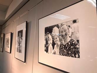 三重社教館開「泰雅族文物攝影展」 原民舞蹈耆老開唱迎開展