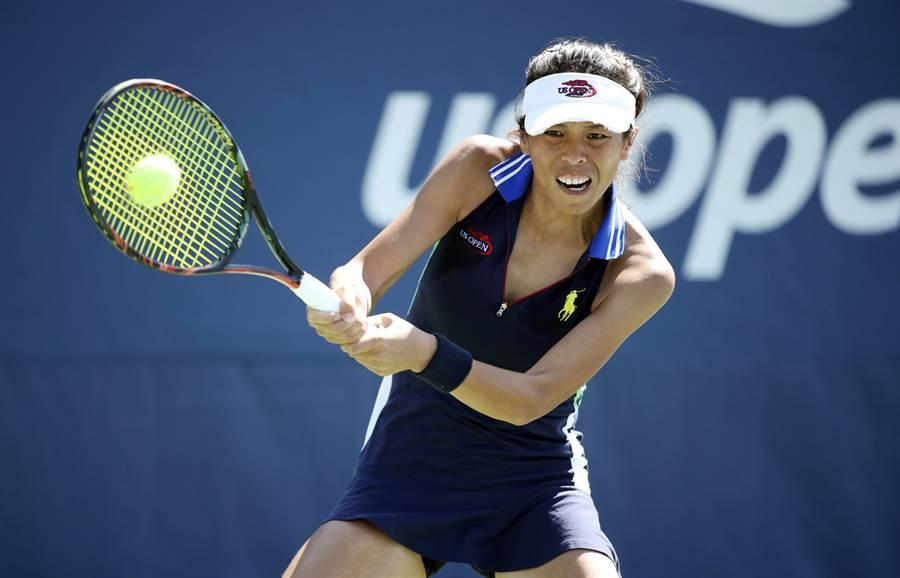 謝淑薇又一次展現逆轉勝美技,再武漢女網賽晉級32強。(美聯社資料照)