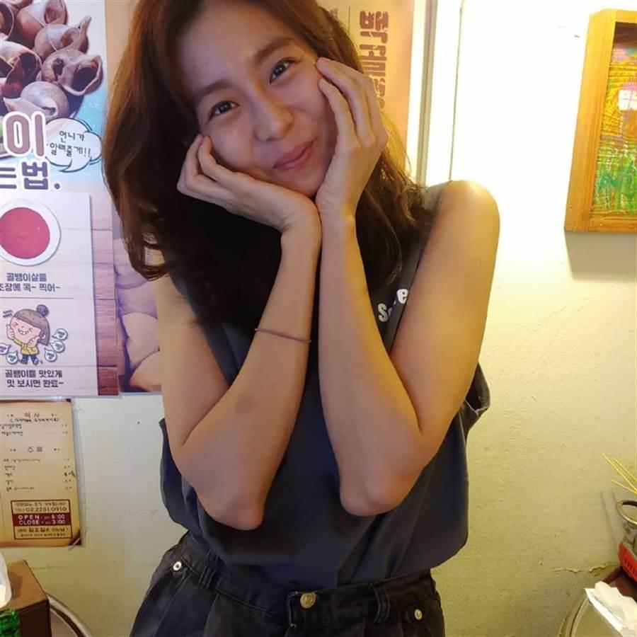 韓網友捕獲野生UIE,透露UIE對外界說她受很有壓力。(取自IG)
