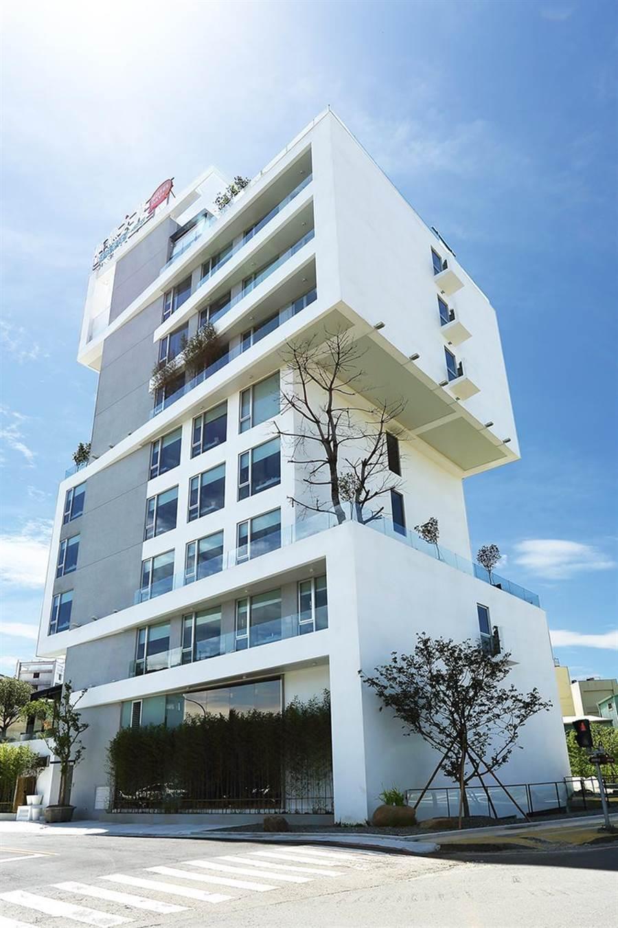 嘉義市「桃城茶樣子」2019獲網友票選為「全台最美飯店」最高票,9月釋出住房優惠方案。(圖/承億文旅)