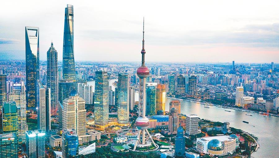 大陸先進製造業城市發展指數,上海第一。圖為上海陸家嘴金融貿易區。(新華社資料照片)