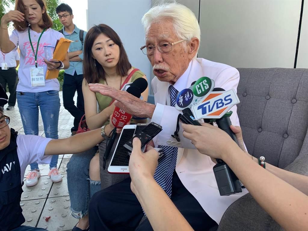 鴻海創辦人郭台銘參選2020總統態勢越來越明朗,獨派大老辜寬敏痛批,郭台銘什麼都不懂怎麼選總統。(林縉明攝)