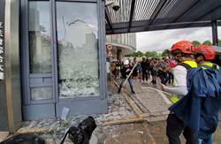 港立法會主席嚴厲譴責示威者再衝擊立法會大樓