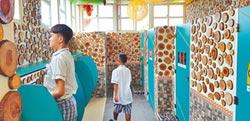 2萬片原木拼成 最美國中廁所在台東