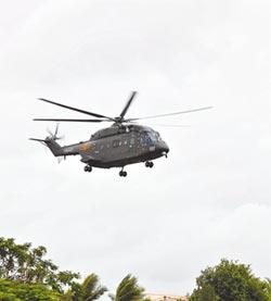 陸075將下水 配直-8直-10艦載機