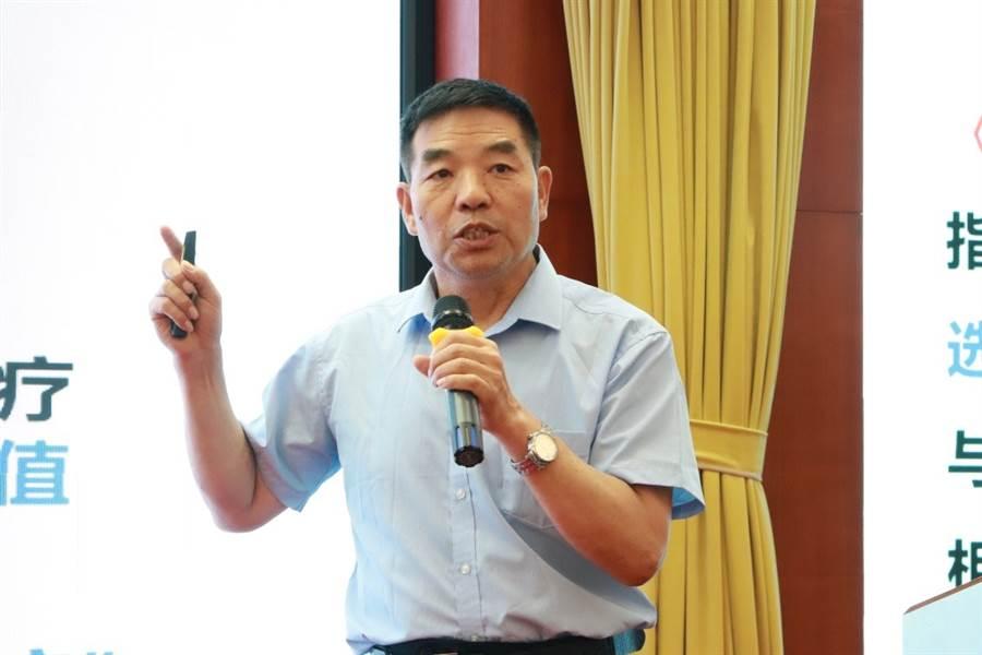 王文全教授在論壇作專題演講(圖片來源:大會組委會)