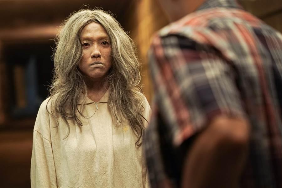 小8在《第九分局》演出非常關鍵的冤魂。