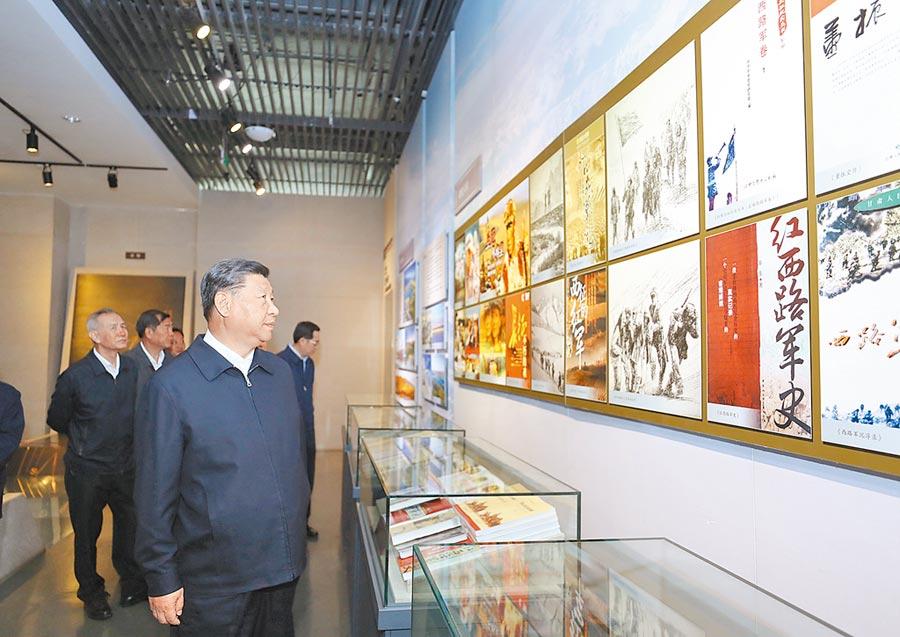 8月22日,中共中央總書記習近平在甘肅考察。(新華社)